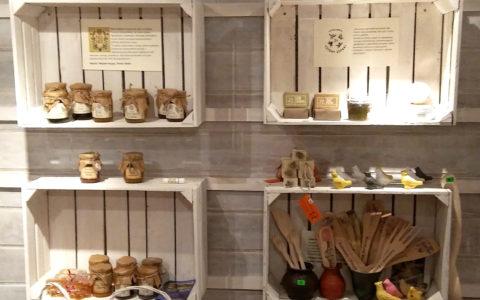 Kosmetyki naturalne i wyroby rękodzieła ludowego